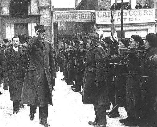 De gaulle nantes 1945